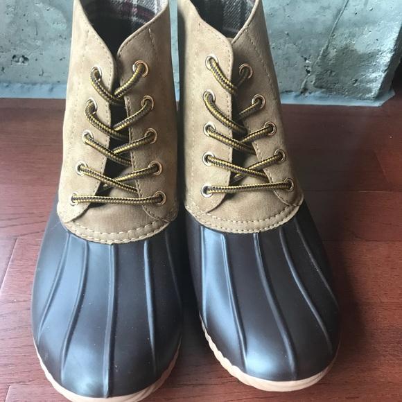 Nwot Henry Ferrera Duck Boots